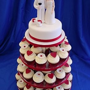 tiered hearts and flowers cupcakes