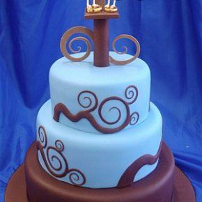 Twitter-Ring Love Birds Wedding Cake