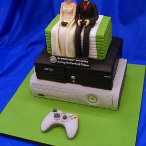 "Geek Gaming Xbox Wedding Cake - ""Achievement Unlocked - Marry the Perfect Person"""