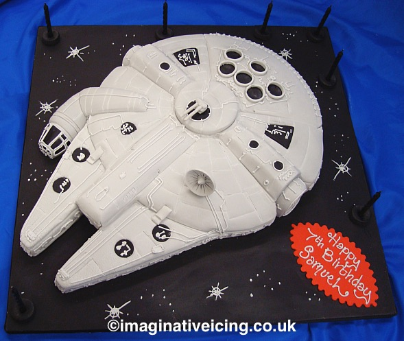 millenium falcon star wars birthday cake