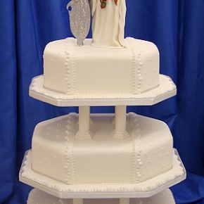 Arthur and Gwnevere Wedding Cake