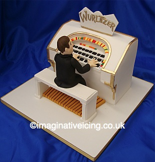 Man Playing Wurlitzer 3D Birthday Cake