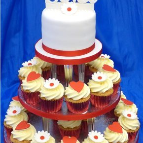 Ruby Wedding cupcakes with hearts, flowers & Edible Names topper