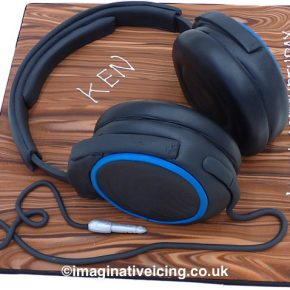 3D Headphones birthday cake