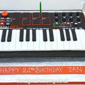 AKAI MPK mini Keyboard midi controller cake